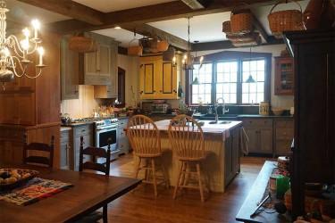 Beautiful Appomattox custom home • Click to view enlargement